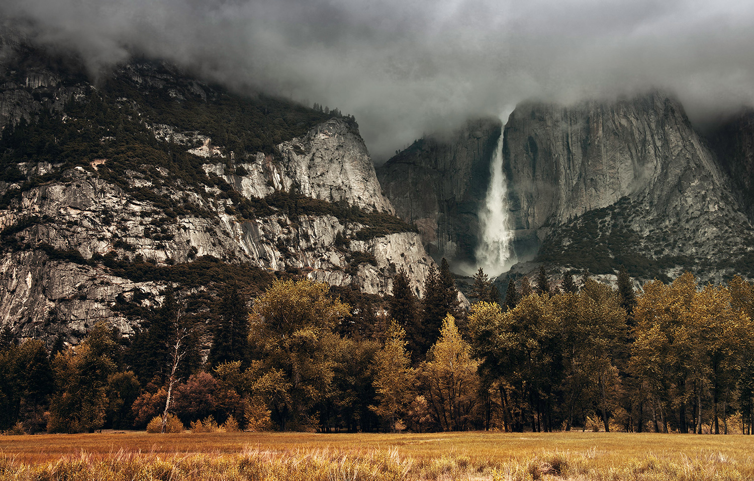 Raphaelle Monvoisin, Fall from the Sky, Yosemite Park waterfall