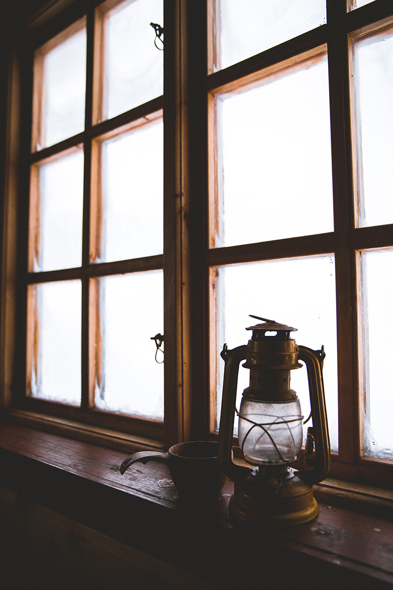 Cabin window lantern Kaarejarvi Raphaelle Monvoisin
