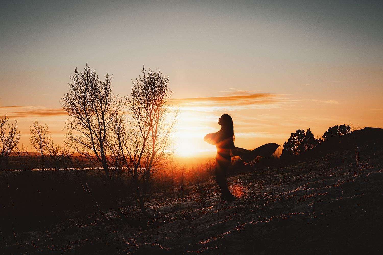 Raphaelle Monvoisin Silentium series photogrpahy silence silhouette light selfportrait